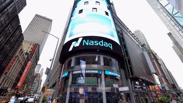بورس نزدک، اولین بازار معاملهٔ الکترونیک سهام در آمریکا و جهان