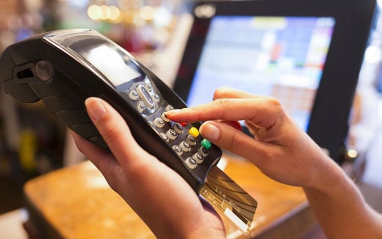 ضرورت نصب کارتخوان برای مشاغل به منظور ایجاد شفافیت نظام مالیاتی