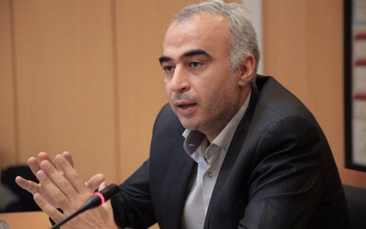 مدیر نظارت بر ناشران سازمان بورس از ادامه توقف نمادهای شستا و ایران خودرو خبر داد