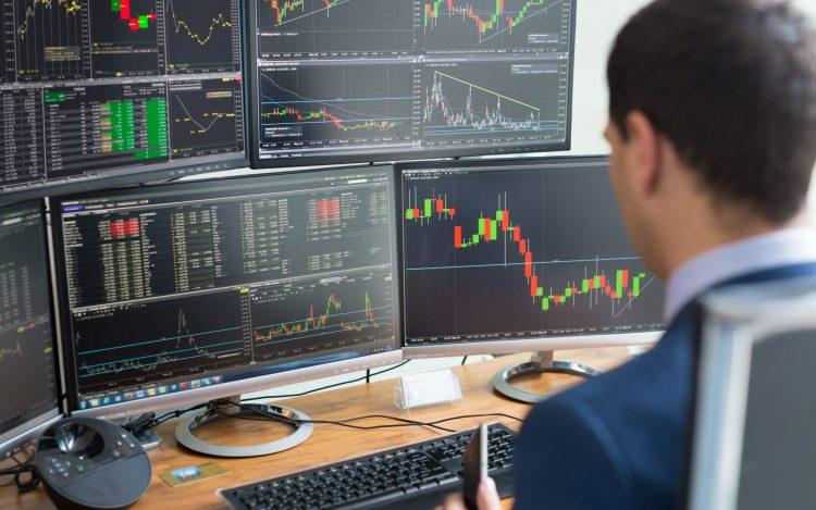 """آغاز بازارگردانی """"آریا، فزرین و لبوتان"""" در بورس با دامنه مظنه 3 درصدی"""